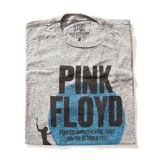 Camiseta Pink Floyd Essa camiseta Pink Floyd, é um tributo a uma das maiores bandas de todos os tempos. A arte foi inspirada em um pôster do show de pompeia , realizado no começo dos anos 70. Uma exclusividade das camisetas iTees.