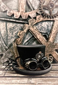 Safari Steampunk Anyone? Steampunk is a rapidly growing subculture of science fiction and fashion. Steampunk Hut, Steampunk Bedroom, Design Steampunk, Steampunk Home Decor, Steampunk Top Hat, Steampunk Goggles, Steampunk Cosplay, Victorian Steampunk, Steampunk Clothing