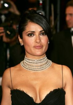 Billedresultat for Salma Hayek Jiggly Cleavage GIF Selma Hayek, Salma Hayek Body, Salma Hayek Pictures, Latin Women, Cannes Film Festival, Mannequins, Beautiful Actresses, Hollywood Actresses, Movies