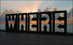 Wie: Wo ? | art on the beach at Batumi, Georgia