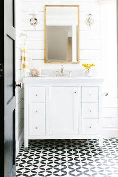 black/white bathroom floor tiles