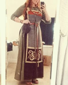 Outfit from earlier this week. Viking Costume Diy, Medieval Costume, Medieval Dress, Norse Clothing, Medieval Clothing, Historical Clothing, Historical Photos, Viking Garb, Viking Dress