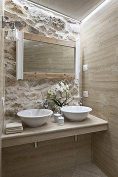 despre casa rustica in Italia designer Zhenya Zhdanova 25 Stone Bathroom, Small Bathroom, Bathroom Ideas, Bathroom Design Luxury, Vintage Bathrooms, Bathroom Inspiration, Sweet Home, House Design, Design Case