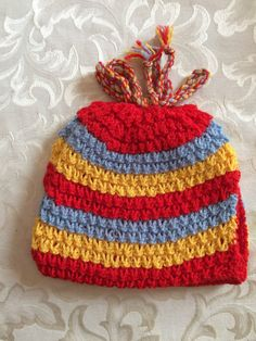 Retro Hand Knitted Tea Cosy in Excellent Condition