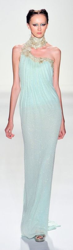 Venexiana at NYFW Spring 2014 ...I'm ♥ing this Ice Blue!