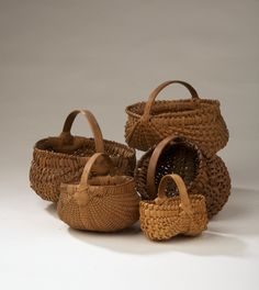 buttocks baskets BUT we call this gizzard baskets & egg baskets: gizzard because of the shape of the gizzard (smaller in front center) the egg is on the left of the one called gizzard. Old Baskets, Vintage Baskets, Wicker Baskets, Basket Weaving, Hand Weaving, Nantucket Baskets, Egg Basket, Market Baskets, Primitive Antiques