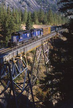 ˚Montana Rail Link Gas Local crossing over Fish Creek - Montana