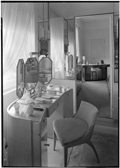Mrs. Moritz Rosenthal [residence], 927 Fifth Avenue.  Glam Vanity with mirrored walls.  1937