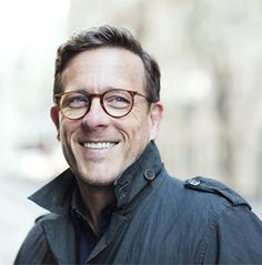 The Sartorialist himself wears O'Malley Oliver Peoples, Scott Schuman, New Glasses, Wearing Glasses, Sartorialist, Vintage Design, Cool Eyes, Actors & Actresses, What To Wear