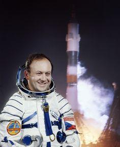 Vladimír Remek Celebrity, Retro, Space Travel, Outer Space, Cuba, Celebs, Retro Illustration, Famous People