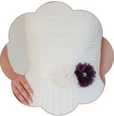 Braut Gürtel mit Seiden Blüte/n in Ivory und Bordeaux. 24 Farben. Wedding Belts, Sashes, Ribbons- Bridal Accessories. silk flower