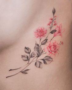 Trending Flower Tattoos Ideas For Women 26 - tatoo feminina Tattoo Oma, Lotusblume Tattoo, Shape Tattoo, Tatoo Art, Wrist Tattoos, Back Tattoo, Cute Tattoos, Body Art Tattoos, Small Tattoos