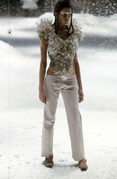 Alexander McQueen Fall 1999 Ready-to-Wear Fashion Show - Hannelore Knuts