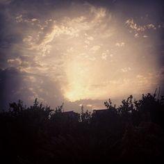 L'alba a Locri... Sempre spettacolare, anche se non si va fino in riva al mare per osservarla in tutta la sua bellezza...