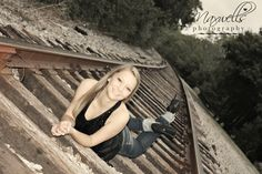 Senior girl photo- Railroad Tracks Senior Photos Girls, Senior Girls, Girl Pictures, Girl Photos, Girl Pics, Railroad Track Photography, Posing Guide, Graduation Pictures, Taking Pictures