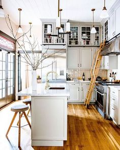 Time for an update? Pick your favorite style from our gallery of beautiful kitchen designs Multi-Purpose Kitchen When Sunset editor-in-chief Irene Edwards set out to remodel her Victo…