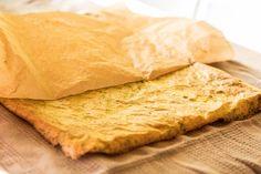 Fitness Rezept | Gefüllte Omelettrolle mit Lachs - LisasBunteWelt Cornbread, Vegan, Fitness, Ethnic Recipes, Food, Low Carb, Omelet, Oven, Meal