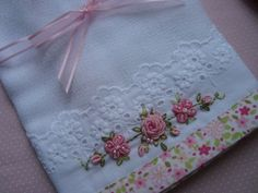 Risultati immagini per bordados rococo Silk Ribbon Embroidery, Embroidery Applique, Floral Embroidery, Cross Stitch Embroidery, Embroidery Patterns, Machine Embroidery, Sewing Crafts, Sewing Projects, Embroidered Towels