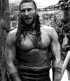 Whoaaa, those abs of Zach McGowan!