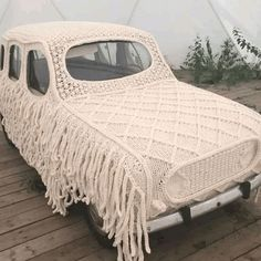 This crochet car cover Cool Pictures, Funny Pictures, Crochet Car, Crochet Humor, Funny Crochet, Yarn Bombing, Humor Videos, Car Covers, Really Funny