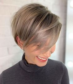 Latest Short Hairstyles for Winter 2020 , Pixie haircut has a harvest variant and is not very easy to maintain. If you like it so much, you can always have a bang and free neck cut. To grow a pixie neckline is very easy. Thin Hair Cuts, Short Thin Hair, Short Hair With Layers, Short Hair Cuts For Women, Short Hair Styles, Short Pixie, Cuts For Thinning Hair, Pixie Cut Styles, Long Pixie Cuts