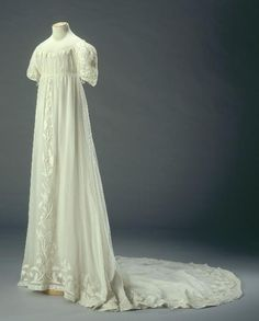 Ball Gown: ca. 1804-1815, French, cotton, chiffon with white-work embroidery.