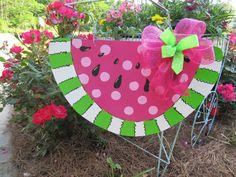 watermelon door hanger Wooden Door Signs, Wooden Door Hangers, Wooden Doors, Wood Signs, Watermelon Crafts, Crafts To Make, Diy Crafts, Gulls, Summer Things