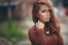 Obie by Ilham Parma on Wood Watch, Daniel Wellington, Parma, Swan, Model, Accessories, Beautiful, Fashion, Wooden Clock