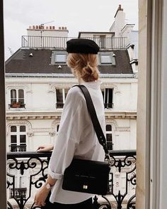 10 Fashion Trends for Summer 2020 Parisian Style - Click the pic for more inspo from Paris Look Fashion, Paris Fashion, New Fashion, Girl Fashion, Fashion Outfits, Fashion Tips, Fashion Trends, Fashion Essentials, Unique Fashion