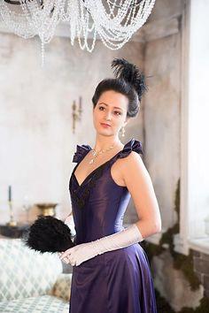 Gothic Victorian Dresses, Victorian Corset, Gothic Dress, Renaissance Wedding Dresses, Renaissance Gown, 1890s Fashion, Edwardian Fashion, Gothic Party, Rococo Dress