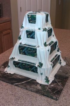 Mossy Oak Wedding Cake One of my favorite cakes i've made! By Leann's Sweet Creations