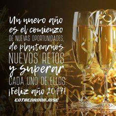 Bueno mi gente quiero desearle un 2017 lleno de muchas cosas positivas, amor, que puedan emprender nuevos retos y puedan completarlos, que sigan cumpliendo sus sueños y que sigamos trabajando en un mundo mejor. ¡Feliz y próspero año 2017 para todos ustedes! ¡Vamos con más!  #EntrenadorJose #HappyNewYear #FelizAñoNuevo #2017 #Motivación #VamosPorMas #SalvadoVidas Jose Fernandez, Alcoholic Drinks, Instagram Posts, World, Frases, Lets Go, Positive Things, Happy New Year, Alcoholic Beverages