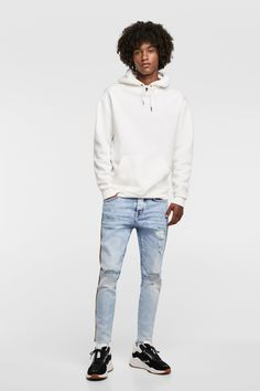 Mens Fashion, Fashion Outfits, Denim Outfit, Actor Model, Mens Clothing Styles, Stylish Men, Custom Clothes, Jeans, Zara