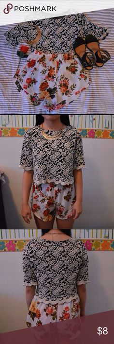 Lace Forever 21 Crop Top Forever 21• Still in GREAT CONDITION• Cute for outfit• Small Forever 21 Tops Crop Tops