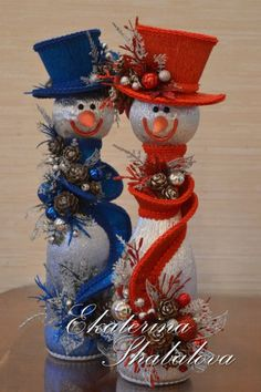 12 Easy ideas for making Christmas decorations with snowmen ~ little thingsconmesh Snowman Crafts, Christmas Projects, Holiday Crafts, Noel Christmas, Christmas Wreaths, Christmas Ornaments, Christmas Centerpieces, Christmas Decorations, Birthday Decorations