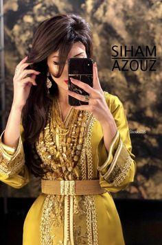 Arab Fashion, Moroccan Caftan, Traditional Dresses, Pretty Dresses, Marie, Stylists, Glamour, Silk, Formal Dresses