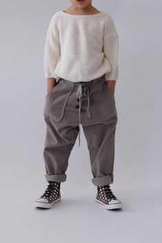 the paola pant Little Boy Fashion, Toddler Fashion, Kids Fashion, Cute Skirt Outfits, Boy Outfits, Style Hipster, Boys Clothes Style, Kids Pants, Stylish Kids