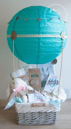 Lola Wonderful_Regalos personalizados y diseño para eventos: OFERTAS -30% REBAJAS INVIERNO 2019 Baby Boy Gift Baskets, Baby Gift Hampers, Baby Shower Gift Basket, Baby Hamper, Baby Boy Gifts, Shower Gifts, Regalo Baby Shower, Baby Shower Crafts, Baby Boy Shower