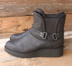 Womens Boots UGG Glen Black Leather