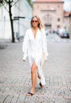 White Outfits, New Outfits, Summer Outfits, Fashion Outfits, Oliver Peoples, Celine, The Row, Valentino, Friend Outfits