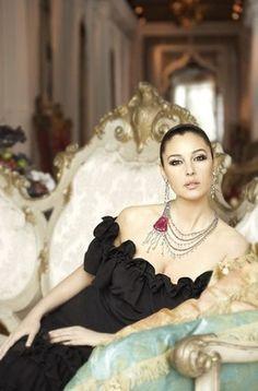 Monica Bellucci for Cartier