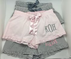 Lounge in style with our delicious monogram pajama shorts! Perfect gift for your bridal party. **SEND A CONVO FOR A DIFFERENT NUMBER THAN 5!*** (Discounted price is shown for 5 shorts). IN A RUSH??? Send a convo and we will try to accommodate your request! 100% comfy cotton