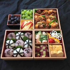 王道はやっぱり運動会やご家族でのお出かけのお弁当用に。 Bento And Co, Bento Box Lunch, Japanese Bento Box, Japanese Food, Food Art Bento, Cute Food, Yummy Food, Cute Bento, Easy Party Food