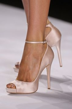 Simple elegance Badgley Mischka Spring 2013 shoe addict |2013 Fashion High Heels|