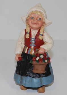 1987 All God's Children Katrina #1803 Dutch Girl Figurine MISS MARTHA HOLCOMBE