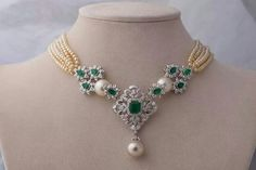 Exclusive diamond necklace crafted well in gold Stone Jewelry, Pearl Jewelry, Beaded Jewelry, Jewelery, Diamond Jewelry, Indian Wedding Jewelry, Bridal Jewelry, India Jewelry, Necklace Designs