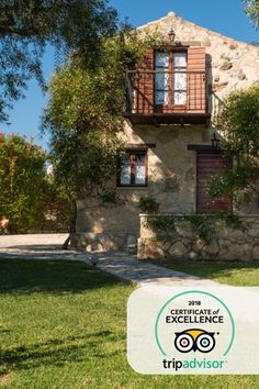 🖋 Our certificate of excellence and rate in TripAdvisor makes us proud of achieving our one goal, that is to make you live the greatest vacation experience possible. Great Vacations, Certificate, Trip Advisor, Greece, Goal, Villa, Relax, Mansions, Live