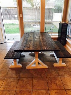 Farmhouse Furniture, End Tables, Dining Table, Color, Home Decor, Mesas, Decoration Home, Room Decor, Dinner Table