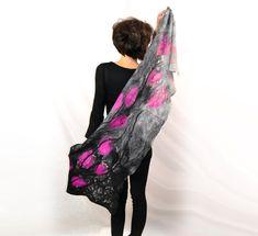 Amaranth silk shawl handmade gray black amaranth von Nunofeltart