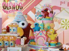 #Birthdaycake #customcake #customcakejakarta #partyfavour #kueulangtahunjakarta #jajanjakarta #delicious #fondant3D #caketopper #sugarart #olanoscakes #olanos #jakarta #yummy #amazing #instafood #sweet #cake #olshopcake #jktfoodies #elmo #candyland #candylandcake #elmocake #sesamestreetcake